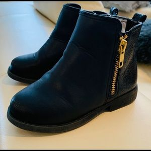 Toddler girls size 9 black boots